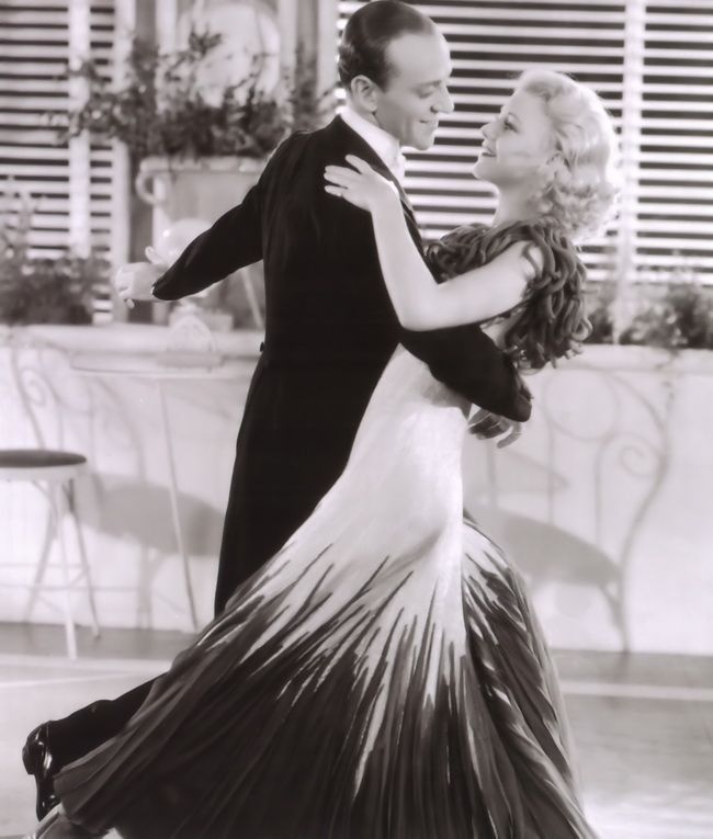 fred-astaire-and-ginger-rogers waltzing